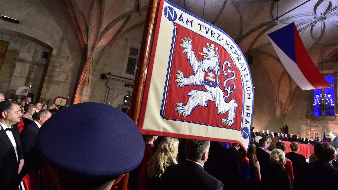 Ve Vladislavském sále Pražského hradu se 28. října 2018 konal slavnostní ceremoniál udílení státních vyznamenání.