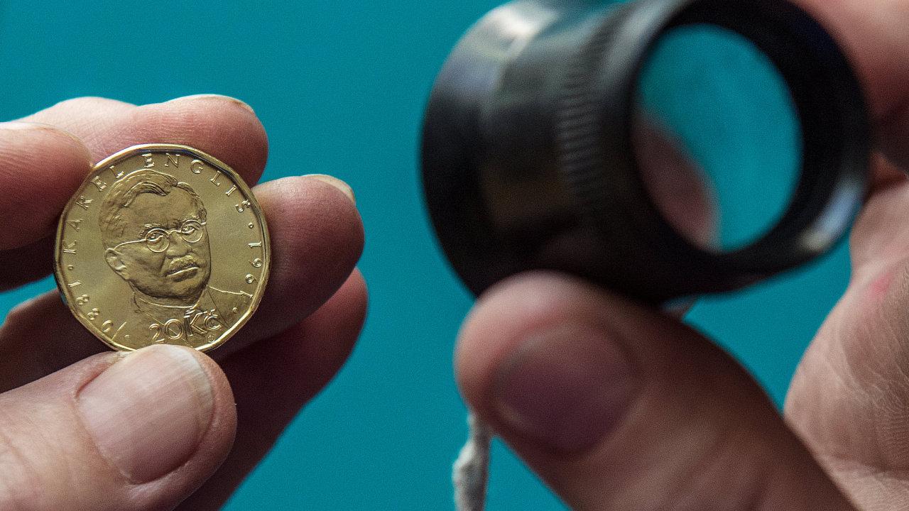 V České mincovně v Jablonci razí další výroční dvacetikoruny