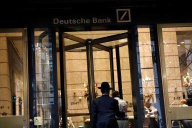 Nejistá budoucnost. Restrukturalizace, propouštění, změna pohledu na nejbližší vývoj a zisky - to je aktuální situace Deutsche Bank.