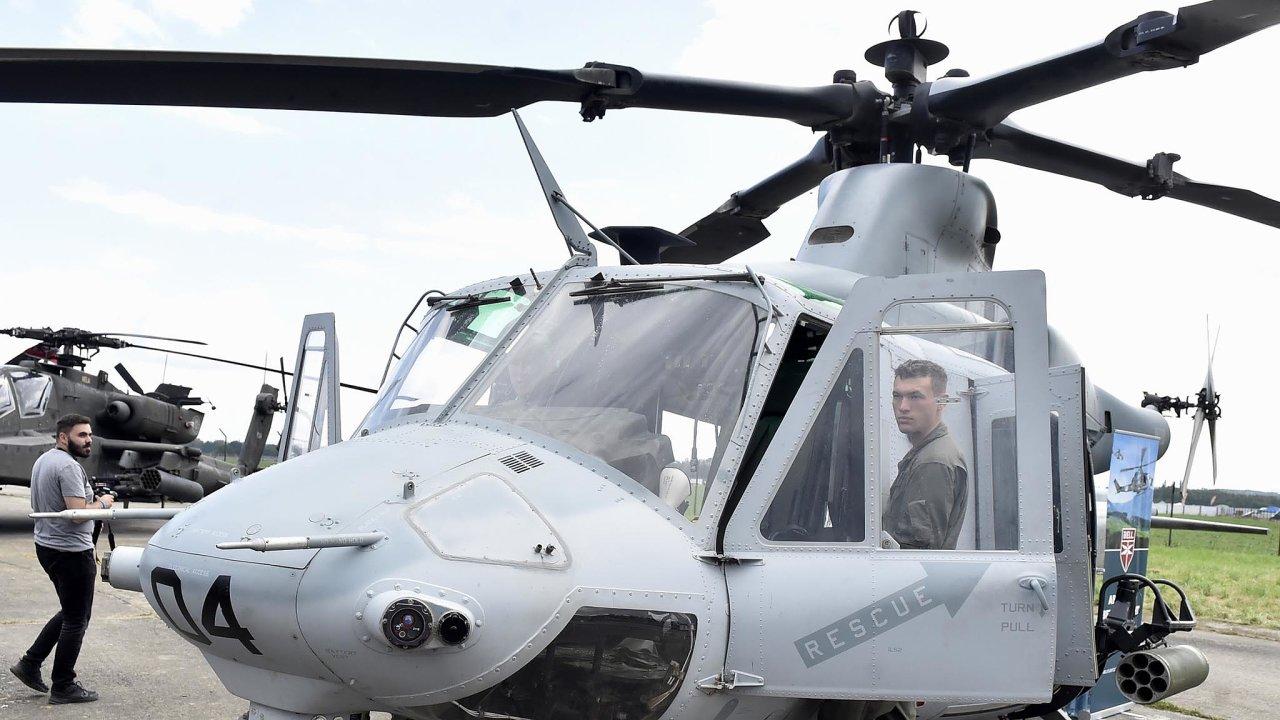 Americký víceúčelový vrtulník UH-1Y Venom od firmy Bell na snímku z 15. září 2018 na Dnech NATO a Dnech Vzdušných sil Armády ČR v Mošnově u Ostravy. Česká armáda pořídí vrtulníky Venom a Viper.