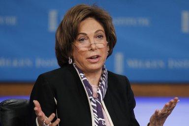Profesorka na Haasově fakultě podnikání Kalifornské univerzity v Berkeley, seniorní poradkyně v Rock Creek Group a seniorní externí poradkyně v McKinsey Global Institute Laura Tysonová.
