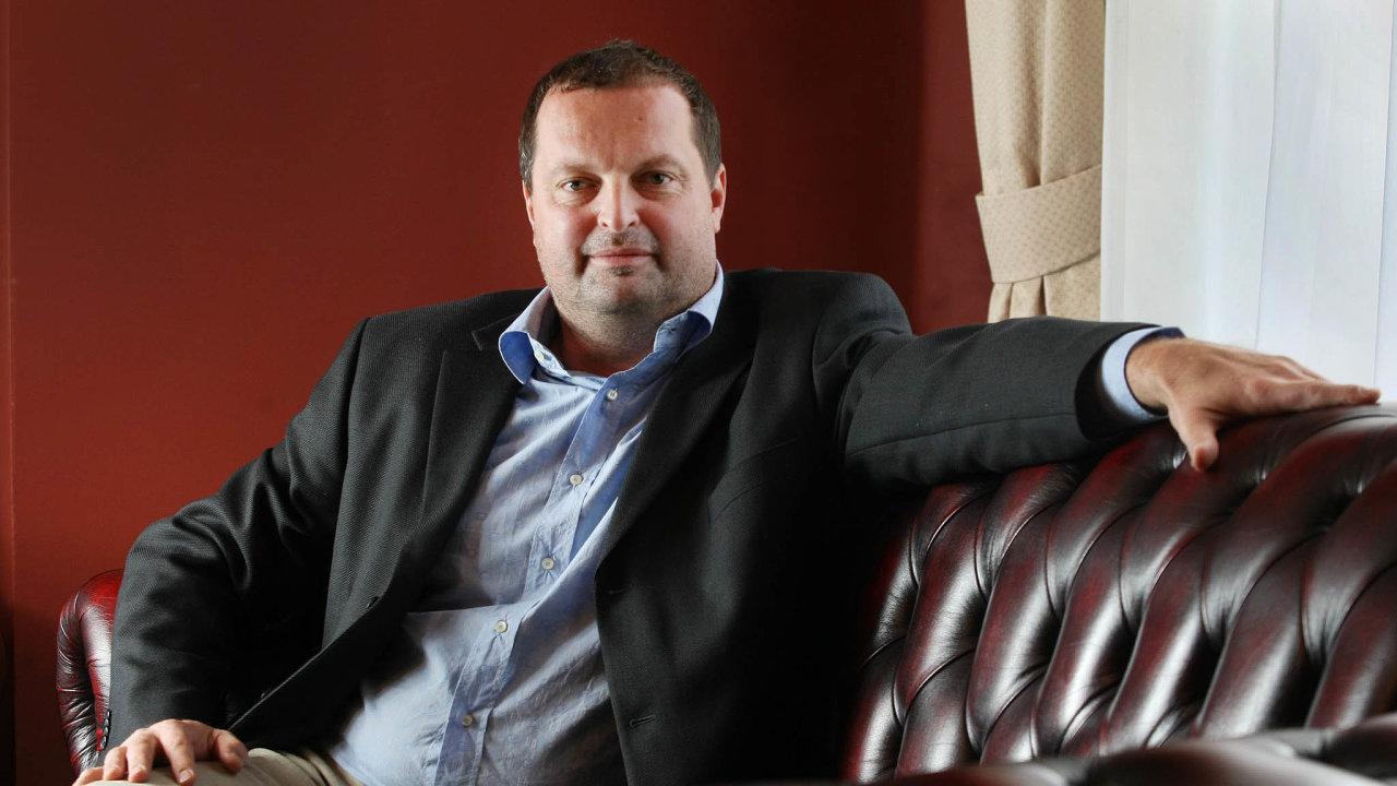 Radovan Vítek útočí naitalský realitní trh. Jeho skupina CPI Property Group přebírá developerskou skupinu podnikatele Lucy Parnasiho, která je největším vlastníkem nemovitostí vŘímě.
