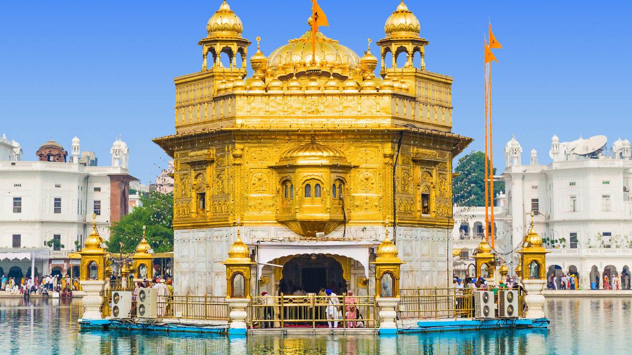 Zlatý chrám je nejdůležitější svatyní sikhského náboženství, leží ve městě Amritsar v Paňdžábu na severu Indie. Přístupný je každému, bez ohledu na jeho náboženství, kastu či pohlaví.