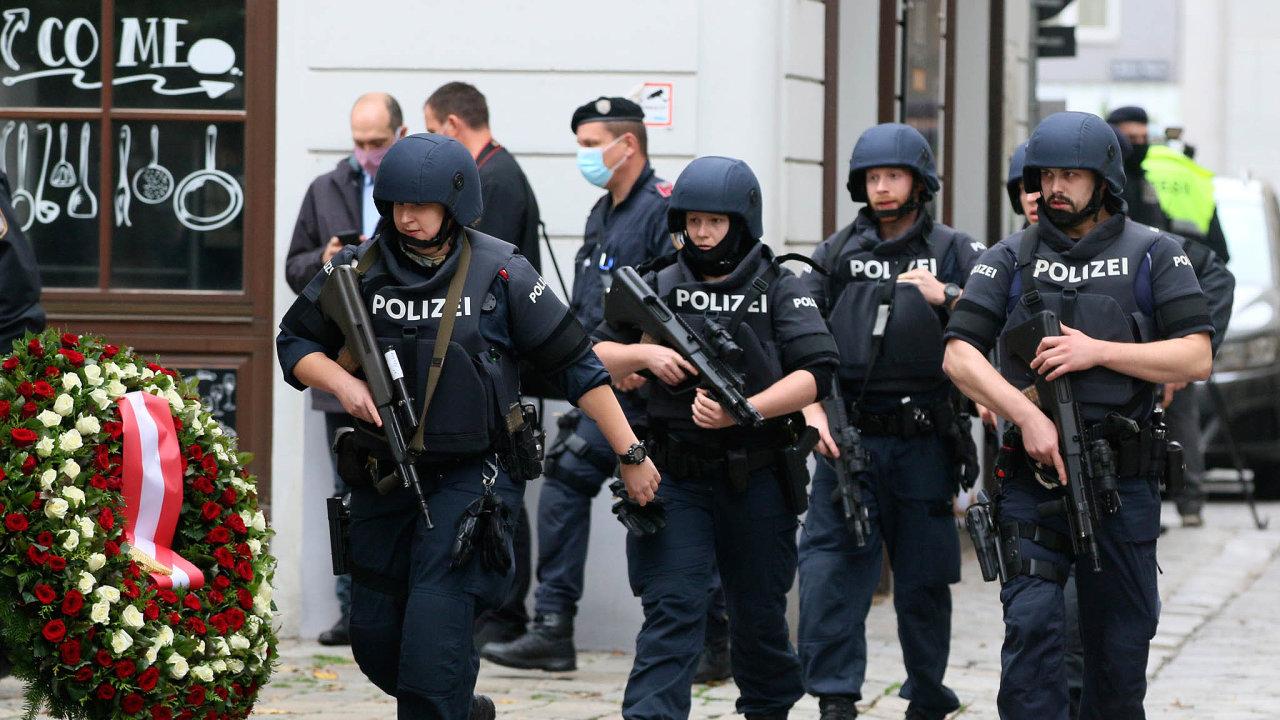 Tajné služby v EU možná získají zbraň vboji proti terorismu. Ale také nástroj nasledování soukromí desíteky milionů Evropanů. Kdyby už platilo kodvrácení vídeňského útoku by zřejmě nepřispělo.