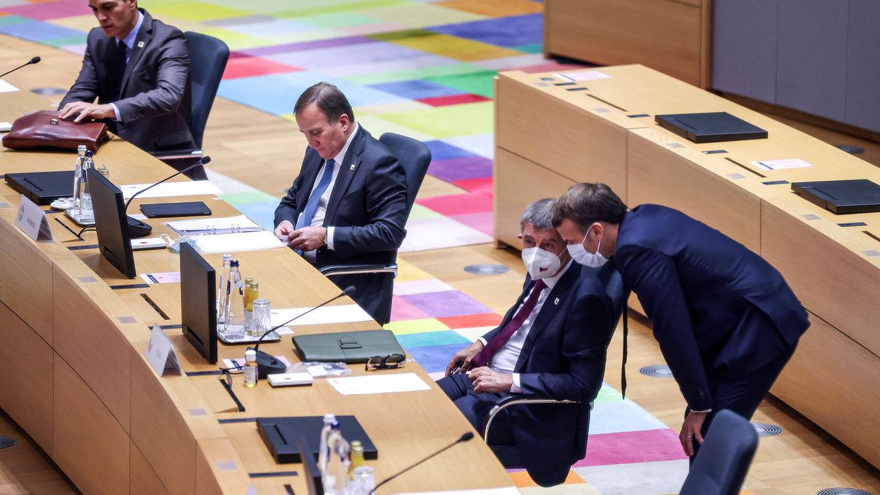 Prosbu českého premiéra o poskytnutí vakcín Francie vyslyšela. Na ilustračním snímku Andrej Babiš a francouzský prezident Emmanuel Macron.