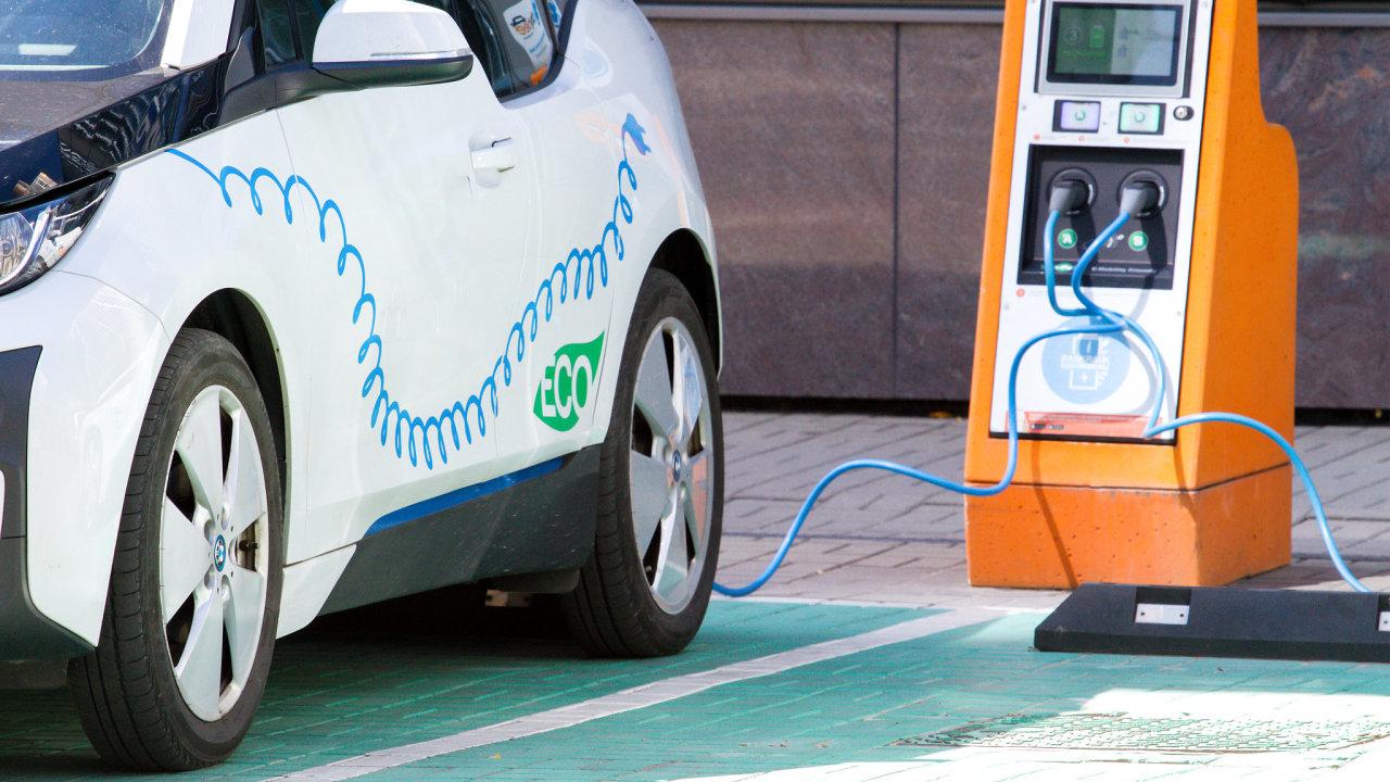 Elektromobily jsou napočátku svého novodobého technologického vývoje amají před sebou velký potenciál.