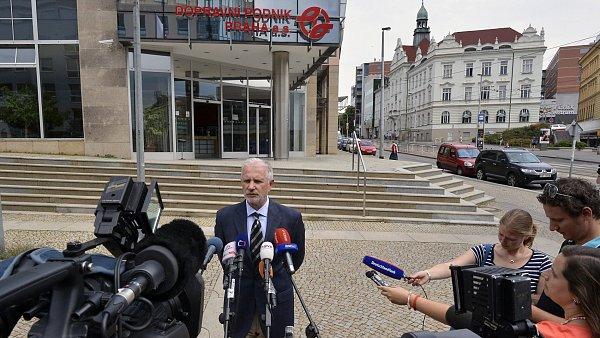 Vladim�r Lich na tiskov� konferenci kr�tce po sv�m odvol�n�.