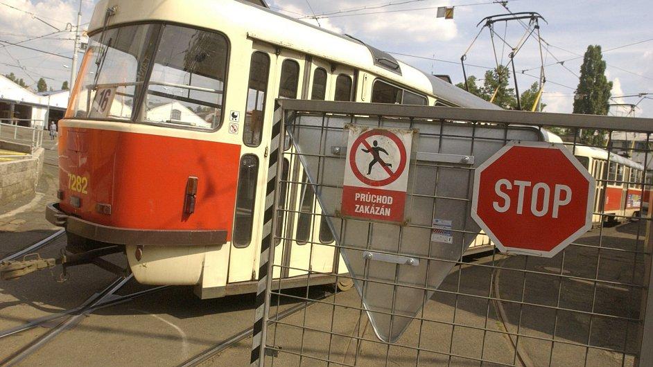 Depo, stávka, tramvaj, vstup zakázán