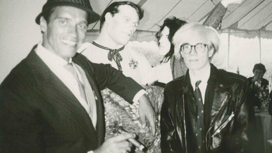 Aukce Andy Warhol @ Christie´s nbaídne i společný snímek Warhola a Schwarzeneggera