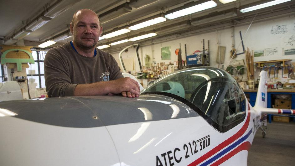 Petr Volejník - majitel, výrobní ředitel, konstruktér a zkušební pilot společnosti Atec