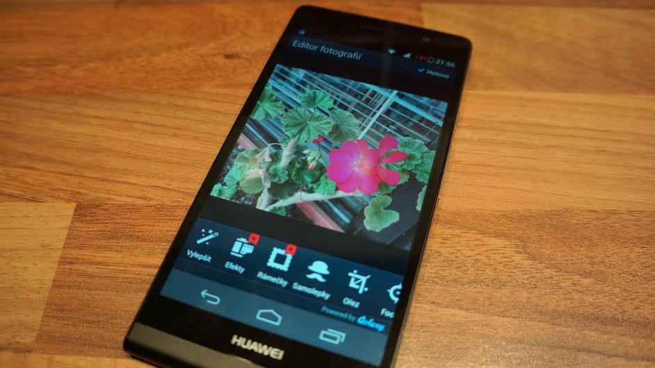 Aplikace Photo Editor by Aviary