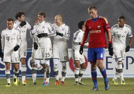 Radost hráčů Bayernu z gólu na hřišti CSKA Moskva