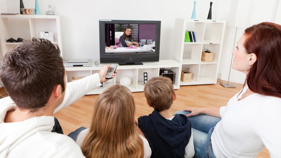 Na podzim se v televizi diváci dočkají hlavně českých seriálů. Ilustrační foto