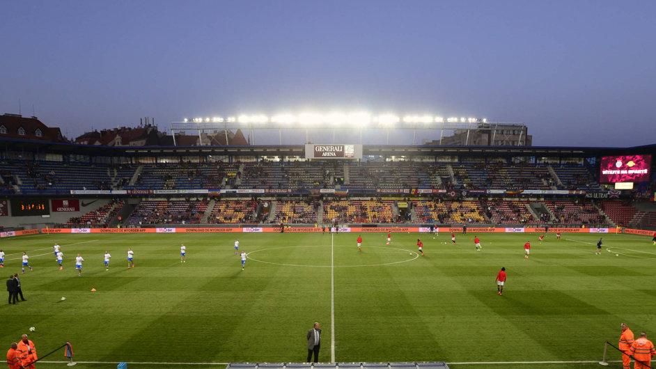 Sparta versus Slavia: Sparta jako akciová společnost za pozemek pod svým letenským stadionem (na snímku) státu v roce 2002 platila, byť jen 20 milionů.