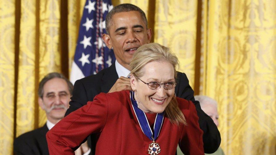 Nejlepší snímky týdne: Oceněná herečka Meryl Streepová a Ferguson v plamenech
