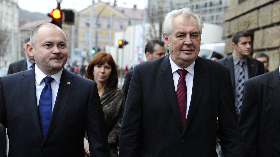 Prezident Miloš Zeman s jihomoravským hejtmanem Michalem Haškem (vlevo).