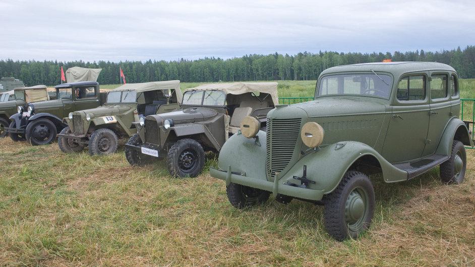 Historické vojenské automobily (ilustrační foto)