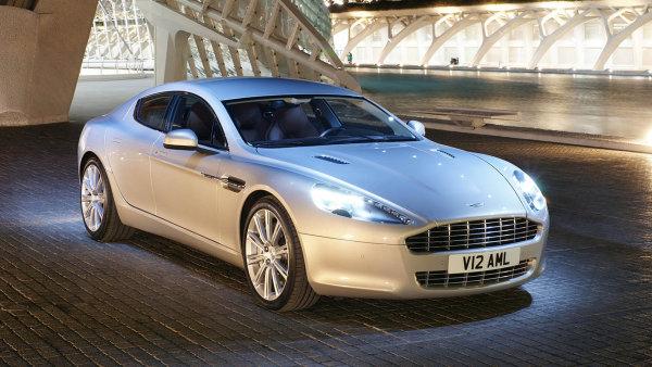 Polští podnikatelé registrují luxusní auta v Česku, protože je to levnější. Na snímku Aston Martin Rapide.