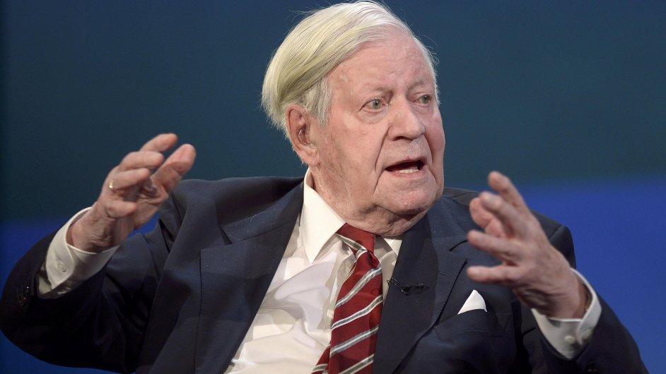 Ve věku 96 let zemřel bývalý německý kancléř Helmut Schmidt.