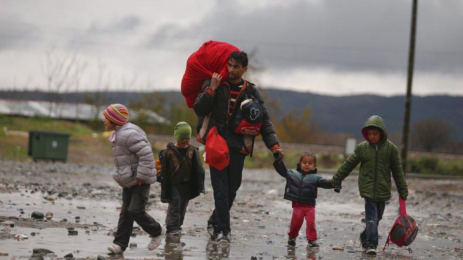 Uprchlíci na hranicích Řecka a Makedonie.
