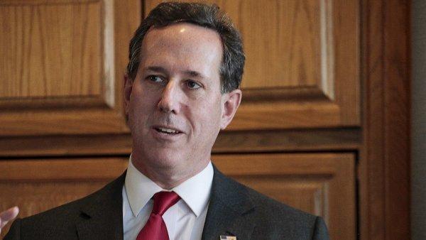 Rick Santorum vzdal boj o republikánskou kandidaturu na amerického prezidenta.