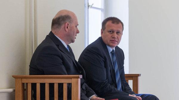 Bývalý ministerský náměstek Vladimír Šiška (na snímku vpravo)