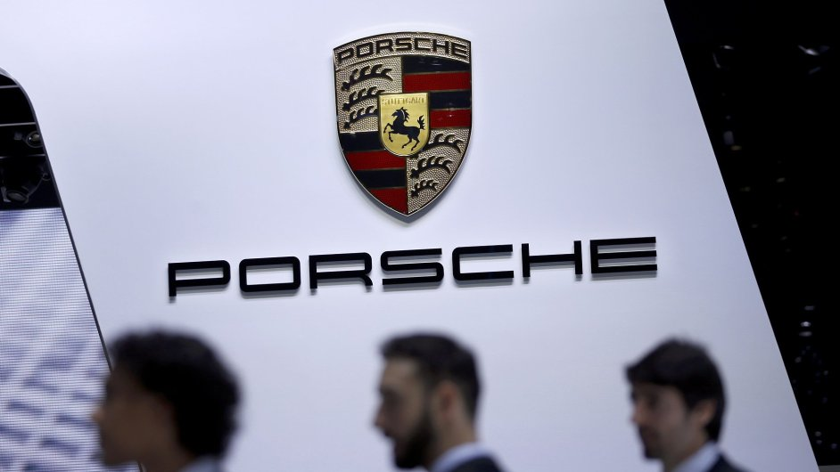 Stánek Porsche na autosalonu v Ženevě