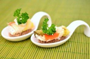 Dubnové gastronomické festivaly: Asijská kuchyně na náplavce nebo hmyzí sushi