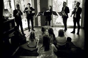 Hudebníci v obýváku: Projekt Vážný zájem pořádá koncerty klasické hudby v bytech posluchačů