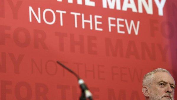 Labouristé Jeremyho Corbyna se v průzkumech dotáhli na konzervativce.