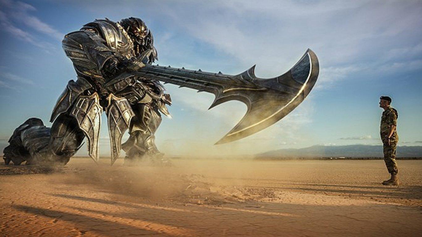 Snímek z filmu Transformers: Poslední rytíř.