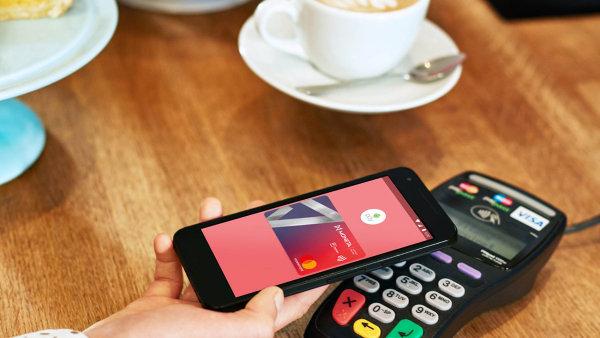 Jednou z bank, které umožňují placení přes aplikaci Android Pay, je Moneta.