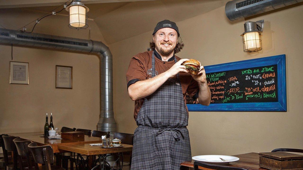 Petr Chaloupka, majitel Peter's Burger Pubu v pražském Karlíně