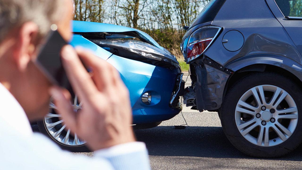 Firmy aneopatrní řidiči si připlatí – povinné ručení zdraží.