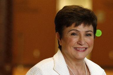 Kristalina Georgievová se knominaci na šéfku MMF nyní nevyjadřuje. Je členkou konzervativní strany Občané za evropský rozvoj Bulharska (GERB).