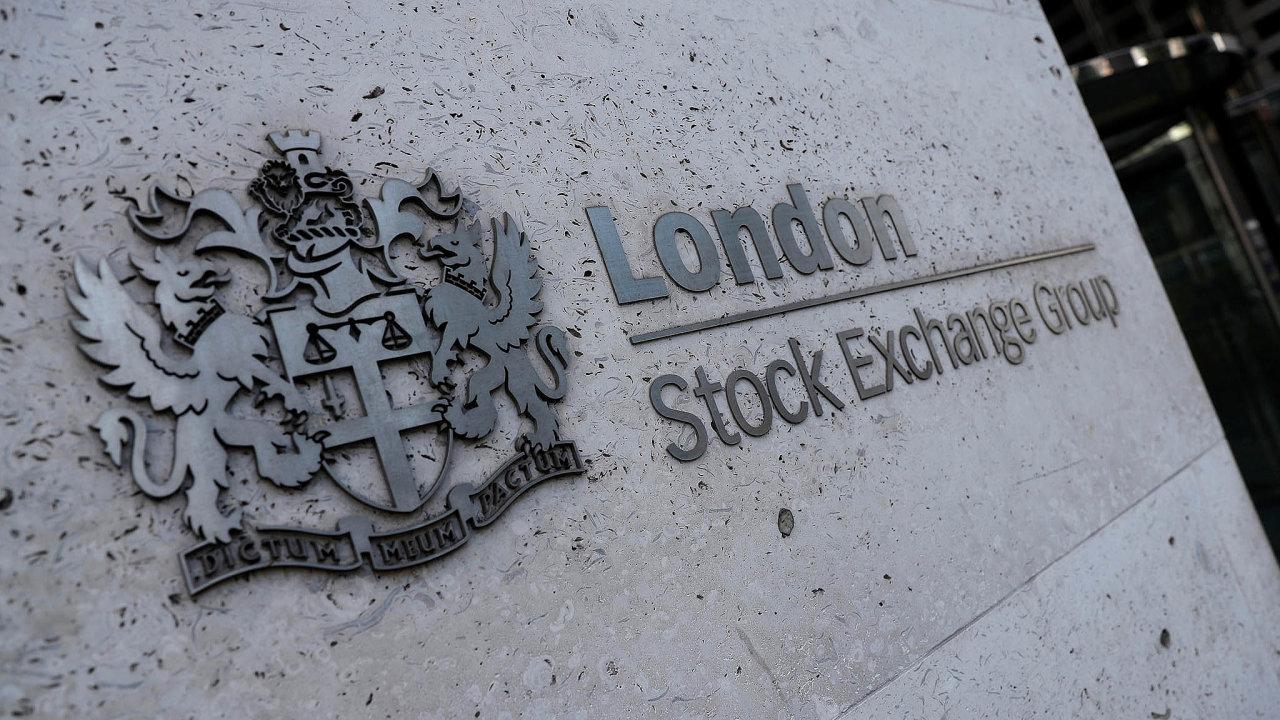 Akcionáři londýnské burza budou zvažovat, jak naloží s nabídkou na převzetí.