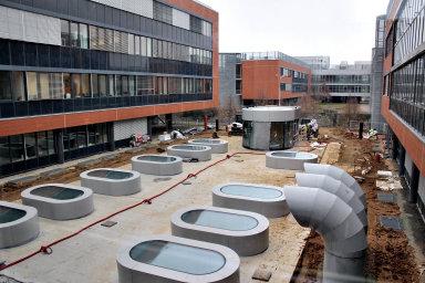 Stavba podzemní biobanky na biologický materiál, která souvisí přímo s projektem, financovaným Evropskou unií.