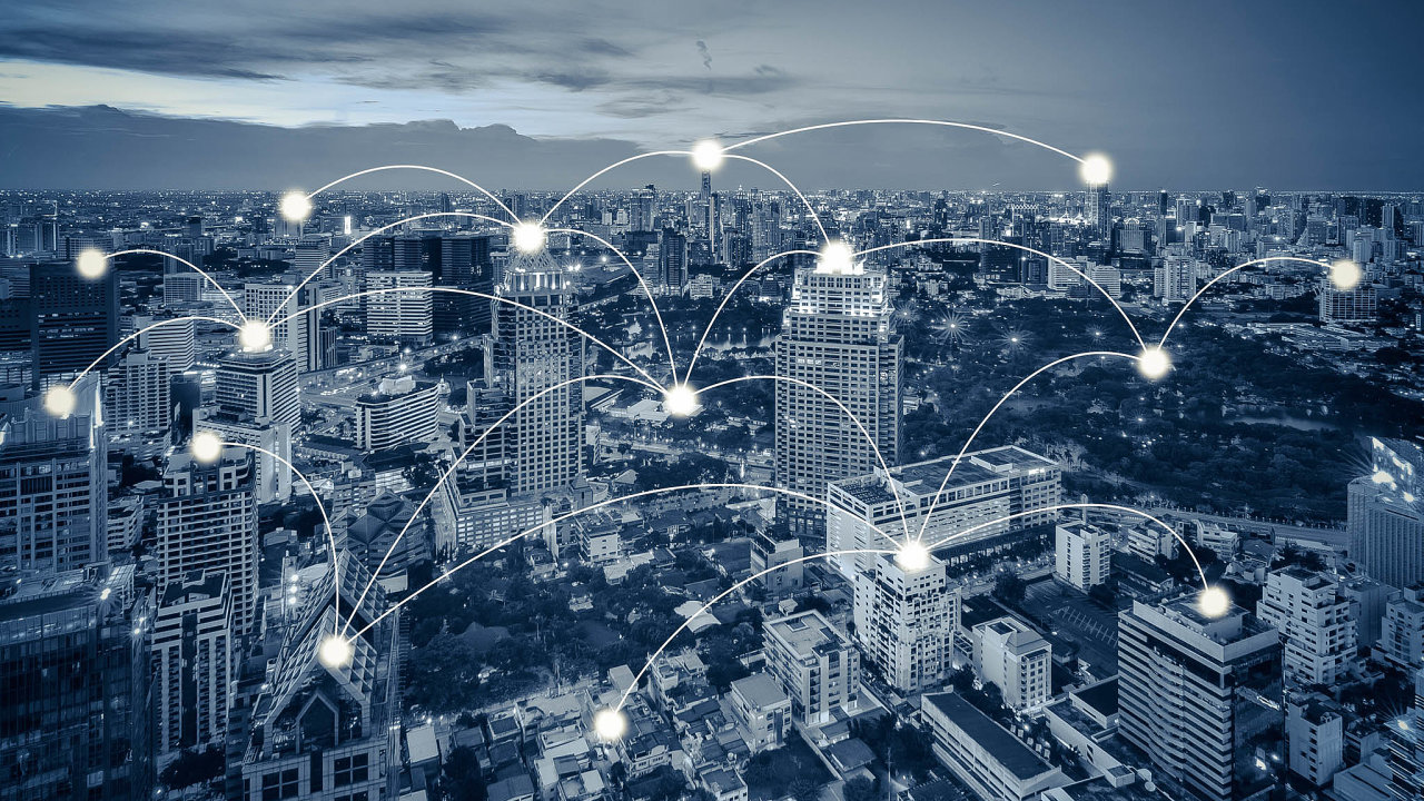 Kmitočty pro výstavbu sítí 5G v Česku budou předmětem aukce plánované na druhé pololetí tohoto roku, zahájení budování sítí se předpokládá v roce 2021.