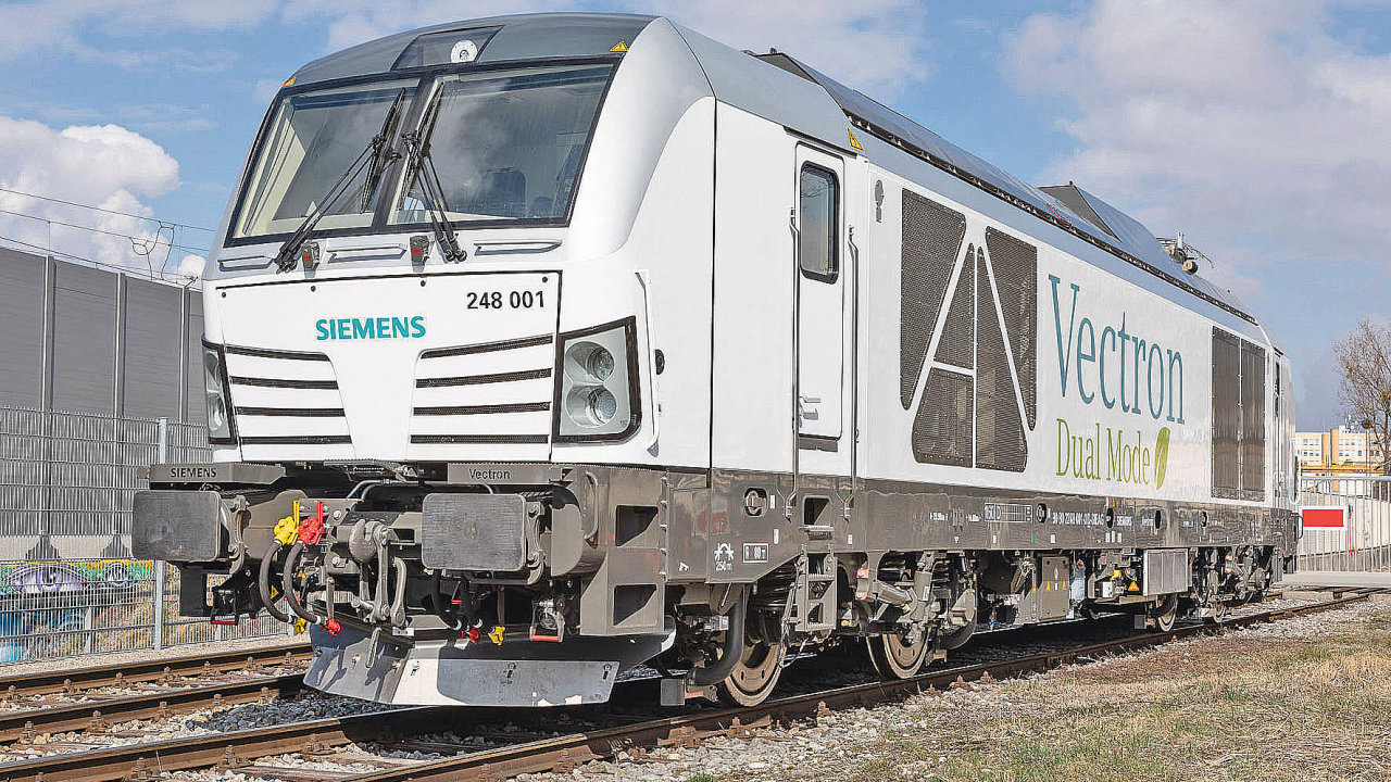 Lokomotiva Vectron Dual Mode odspolečnosti Siemens Mobility disponuje kombinací dieselového aelektrického pohonu.