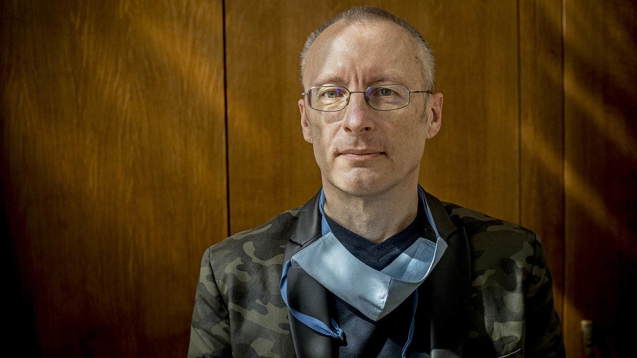 Aleksi Šedo je český lékař a biochemik. Od září bude náměstkem pro zdravotní péči na ministerstvu zdravotnictví, kde nahradí epidemiologa Romana Prymulu.