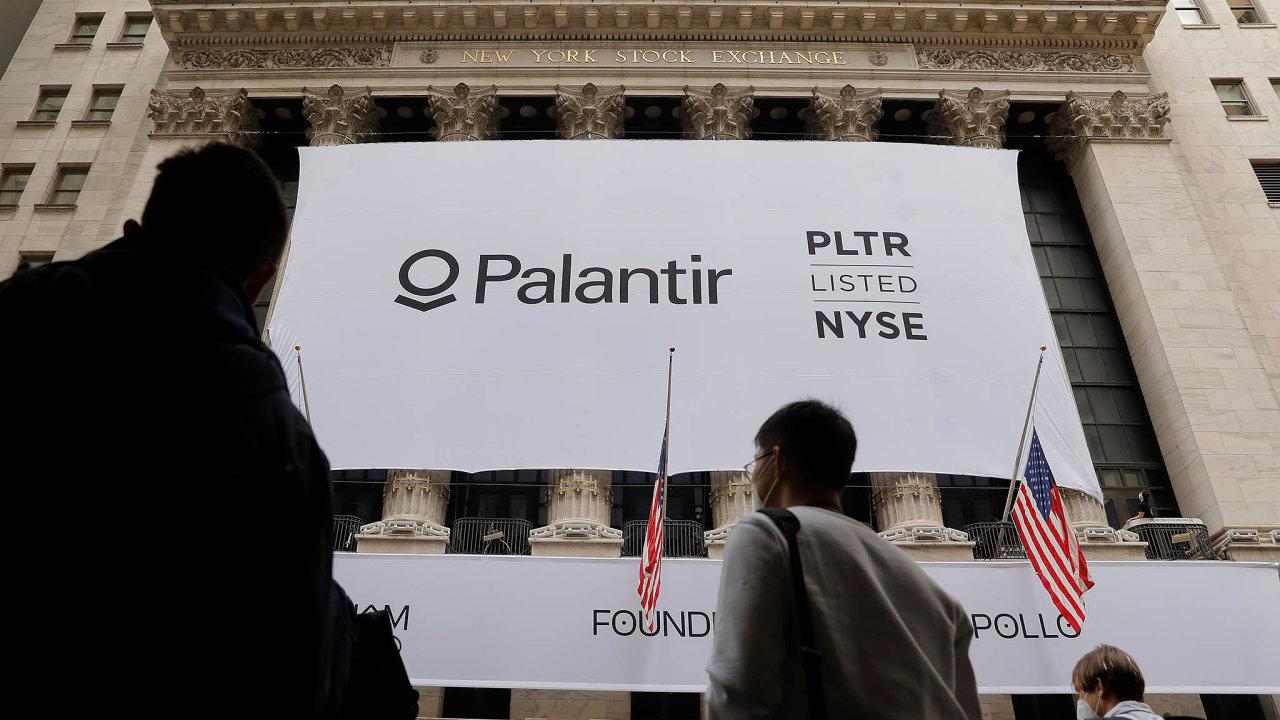 Mezi zákazníky kalifornské softwarové firmy Palantir jsou nejen velké korporace nebo banky, ale také tajné služby Spojených států či dalších zemí, americké ministerstvo obrany nebo imigrační úřady.