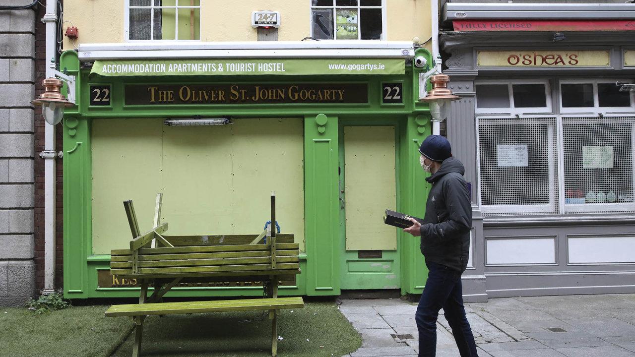 Irsko zavedlo přísná opatření proti šíření koronaviru.