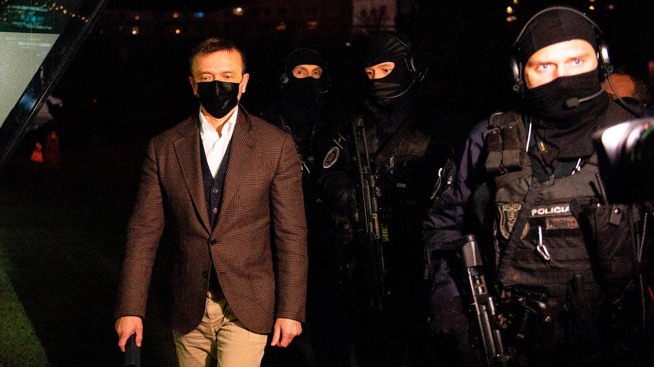 Slovenská policie zadržela aobvinila spolumajitele česko-slovenské finanční skupiny Penta Investments Jaroslava Haščáka.