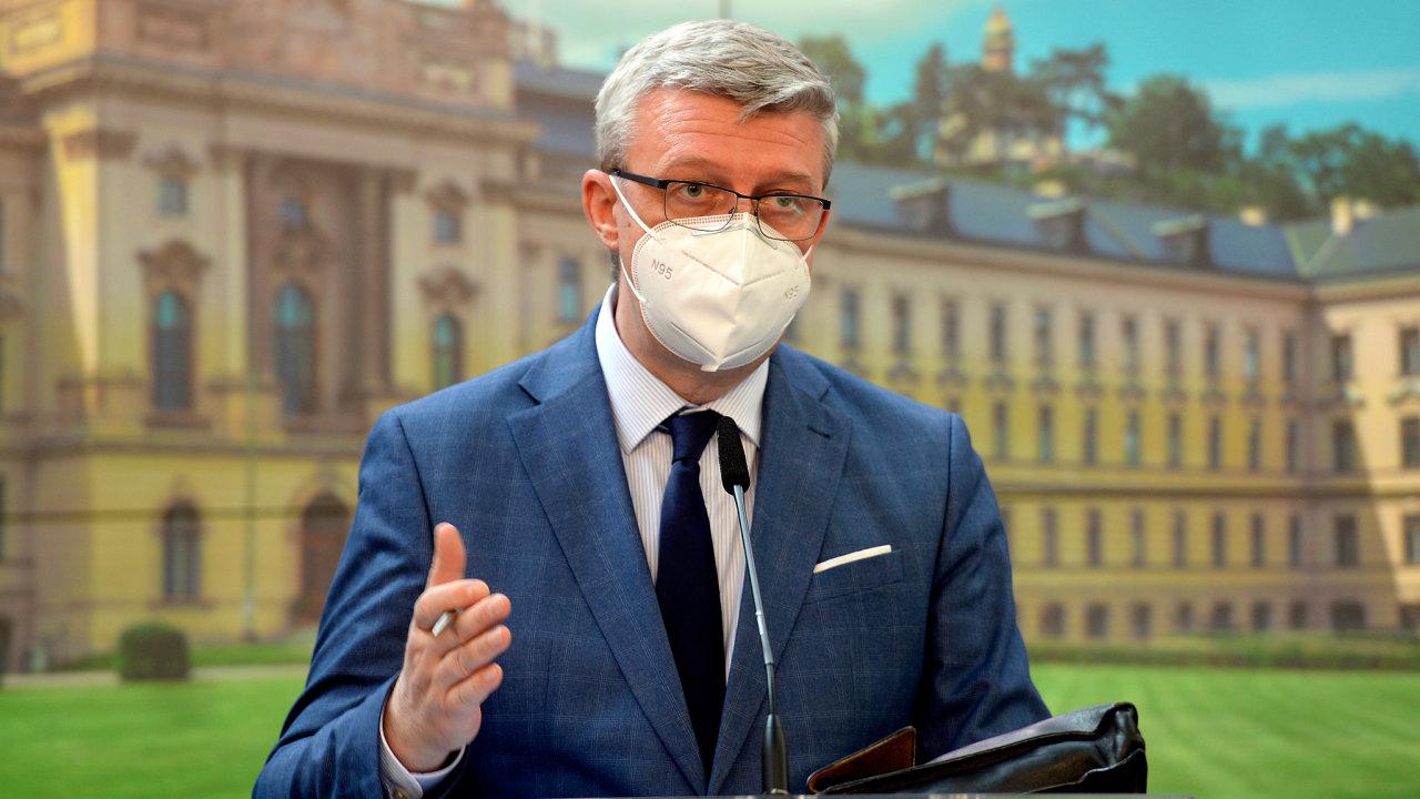 Ministr průmyslu a obchodu a dopravy Karel Havlíček (za ANO)