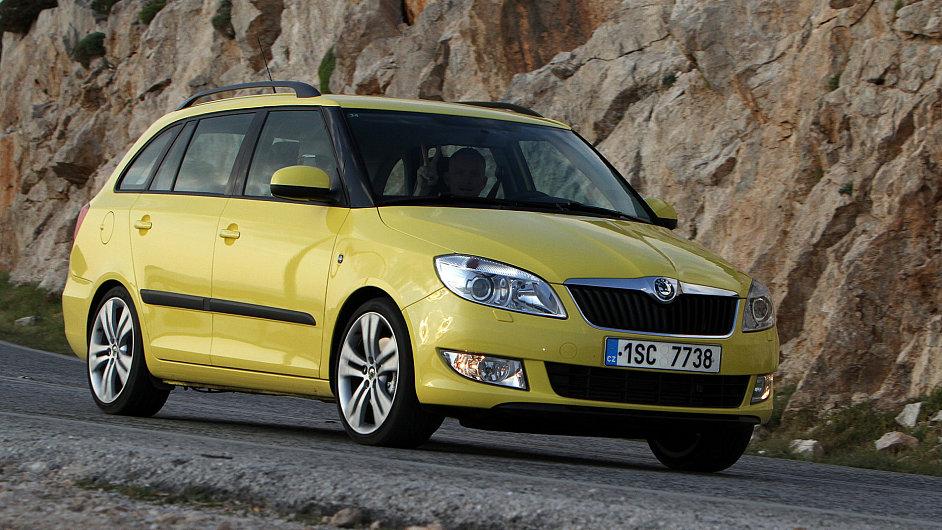 Škoda Fabia si v říjnu připsala nejvíc nových registrací.