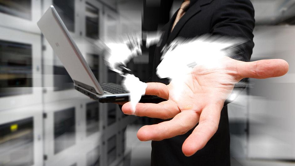 Konference o novém telekomunikačním řádu v Dubaji regulaci internetu nepřinesla.