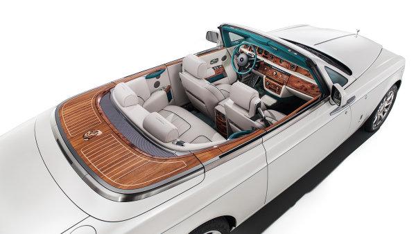Unik�tn� Rolls-Royce oslavuje stoletou spolupr�ci s indick�mi mah�r�d�i