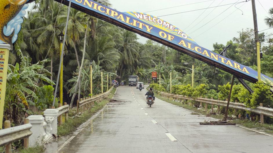 Filipíny zasáhla tropická bouře Jangmi.