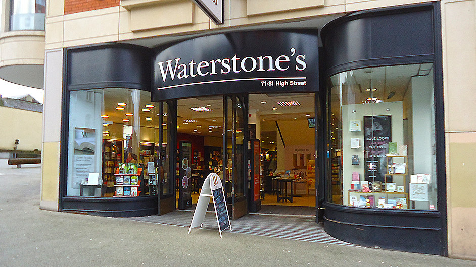 Na snímku jedna z londýnských poboček řetězce Waterstones.