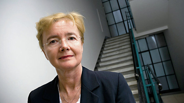 Bývalá ústavní soudkyně a expředsedkyně Nejvyššího soudu Iva Brožová vstoupila do právnické síně slávy.